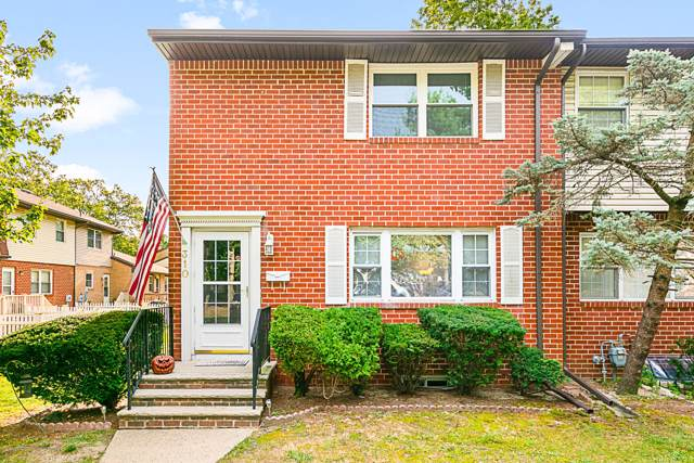 310 Endora Court, Brick, NJ 08724 (MLS #21938453) :: The MEEHAN Group of RE/MAX New Beginnings Realty