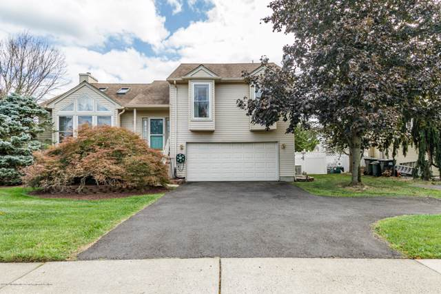 44 New Friendship Road, Howell, NJ 07731 (MLS #21938460) :: The MEEHAN Group of RE/MAX New Beginnings Realty