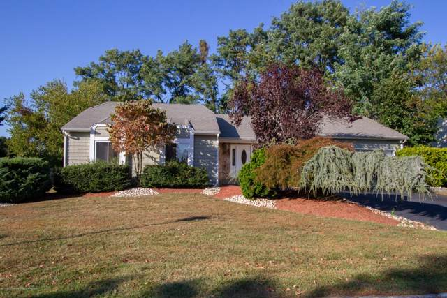 15 Twin Terrace, Holmdel, NJ 07733 (MLS #21940190) :: The Sikora Group
