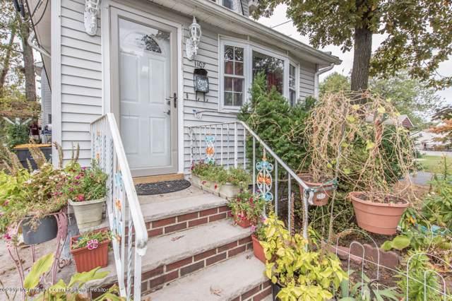 1107 Cook Avenue, Laurence Harbor, NJ 08879 (MLS #21940236) :: The MEEHAN Group of RE/MAX New Beginnings Realty