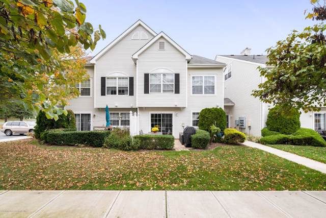 53 Winged Foot Court #1000, Howell, NJ 07731 (MLS #21941364) :: The MEEHAN Group of RE/MAX New Beginnings Realty