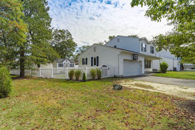 417 Greenwood Lane, Brick, NJ 08723 (MLS #21942141) :: The MEEHAN Group of RE/MAX New Beginnings Realty