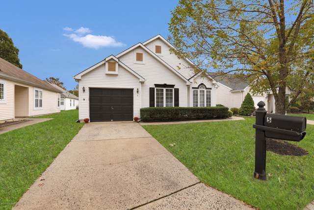 5 Pomeroy Court, Jackson, NJ 08527 (MLS #21942916) :: The MEEHAN Group of RE/MAX New Beginnings Realty