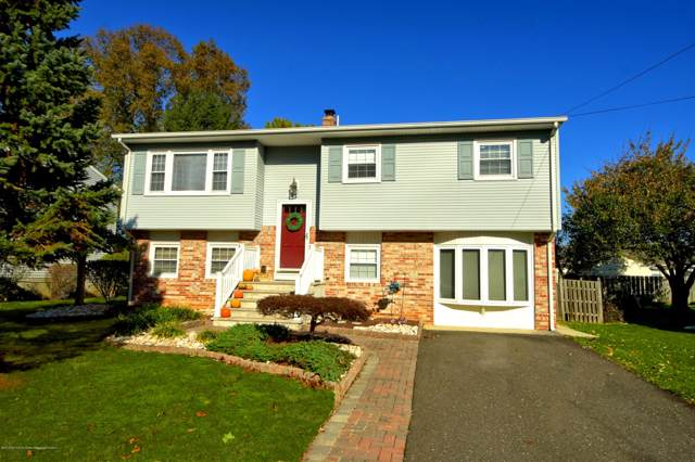 66 Lakeview Drive, Allentown, NJ 08501 (MLS #21944284) :: The MEEHAN Group of RE/MAX New Beginnings Realty