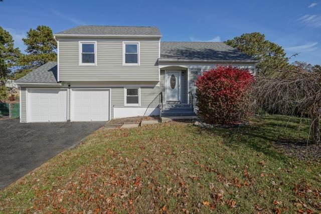 988 W Bay Avenue, Barnegat, NJ 08005 (MLS #21945252) :: William Hagan Group
