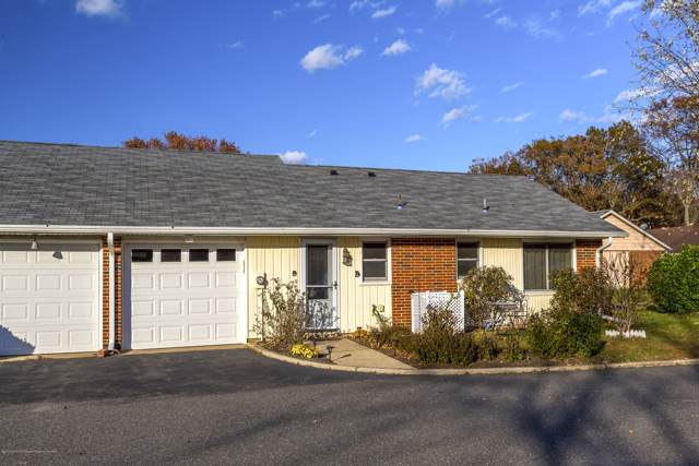 227 A Buckingham Court, Lakewood, NJ 08701 (MLS #21945285) :: The Sikora Group