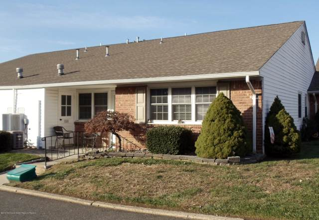 15 Minnesota Drive #301, Matawan, NJ 07747 (MLS #21945842) :: The MEEHAN Group of RE/MAX New Beginnings Realty