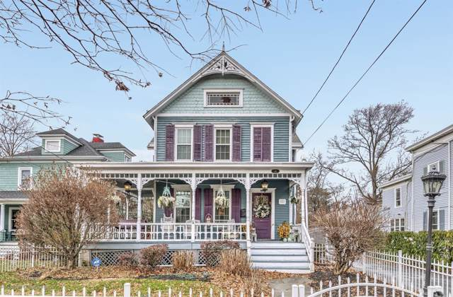 111 W Main Street, Freehold, NJ 07728 (MLS #21947828) :: The MEEHAN Group of RE/MAX New Beginnings Realty