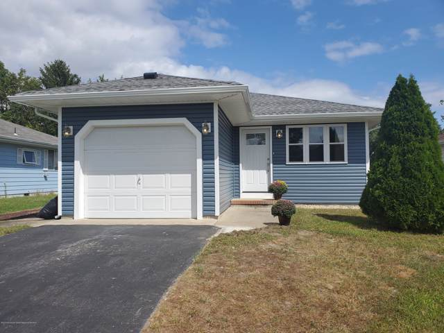 54 Bonaire Drive, Toms River, NJ 08757 (MLS #21948068) :: The MEEHAN Group of RE/MAX New Beginnings Realty