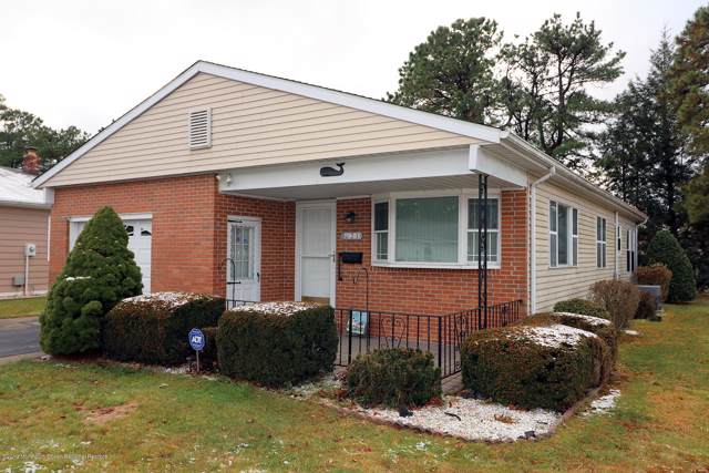 21 Maison Way, Toms River, NJ 08757 (MLS #21948320) :: Vendrell Home Selling Team
