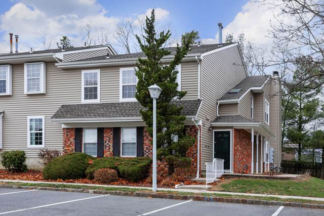 60 Stacy Court, Old Bridge, NJ 08857 (MLS #21948411) :: The MEEHAN Group of RE/MAX New Beginnings Realty