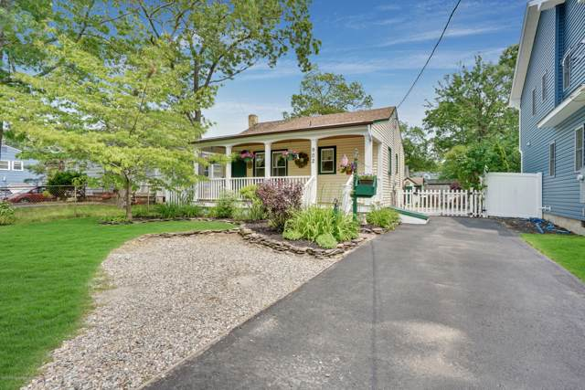 902 Barton Avenue, Point Pleasant, NJ 08742 (MLS #21948436) :: The MEEHAN Group of RE/MAX New Beginnings Realty