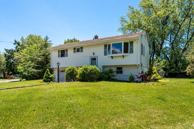 142 Darien Road, Howell, NJ 07731 (MLS #22000190) :: The MEEHAN Group of RE/MAX New Beginnings Realty