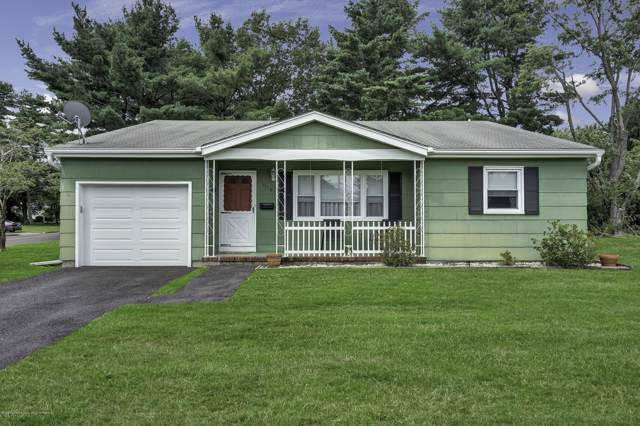 1116 Waterberry Court N, Toms River, NJ 08757 (MLS #22000927) :: The MEEHAN Group of RE/MAX New Beginnings Realty