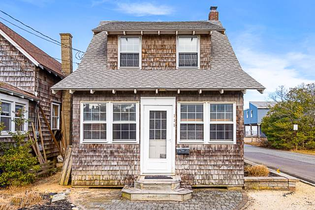 111 E 27th Street, Ship Bottom, NJ 08008 (MLS #22001648) :: The MEEHAN Group of RE/MAX New Beginnings Realty