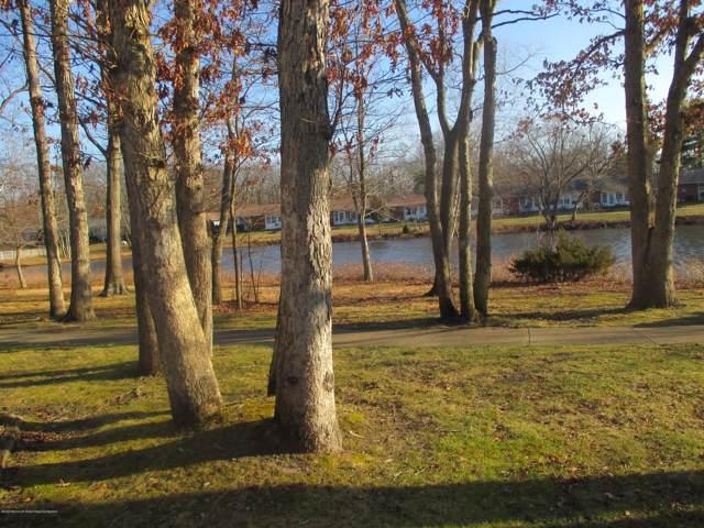 581A Lake Point Drive #1001, Lakewood, NJ 08701 (MLS #22002018) :: William Hagan Group