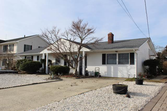 221 Newark Road S, Barnegat, NJ 08005 (MLS #22002985) :: The MEEHAN Group of RE/MAX New Beginnings Realty