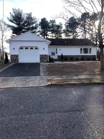 10 Redlands Court, Toms River, NJ 08757 (MLS #22003254) :: The MEEHAN Group of RE/MAX New Beginnings Realty