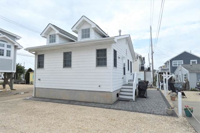 118 W Tarpon Way, Lavallette, NJ 08735 (MLS #22003287) :: The MEEHAN Group of RE/MAX New Beginnings Realty