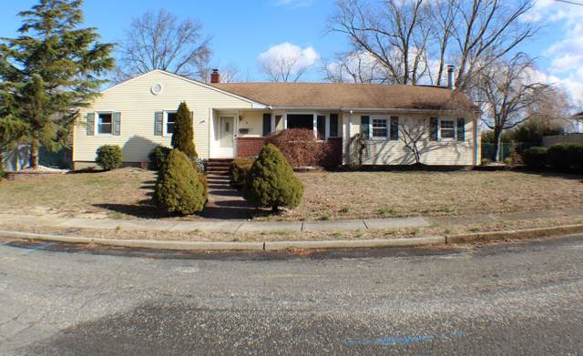 5 Westbrook Circle, Howell, NJ 07731 (MLS #22003955) :: The MEEHAN Group of RE/MAX New Beginnings Realty