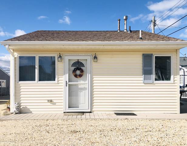 24 E Swordfish Way, Lavallette, NJ 08735 (MLS #22004107) :: The MEEHAN Group of RE/MAX New Beginnings Realty