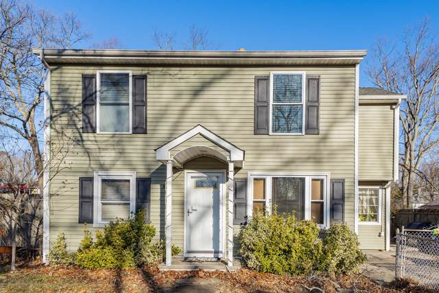 507 Middle Lane, Howell, NJ 07731 (MLS #22004570) :: The MEEHAN Group of RE/MAX New Beginnings Realty