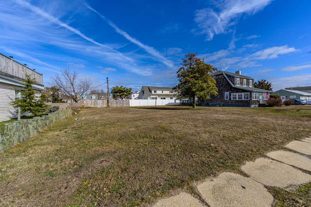 216 Route 37 W, Toms River, NJ 08755 (MLS #22005269) :: The MEEHAN Group of RE/MAX New Beginnings Realty