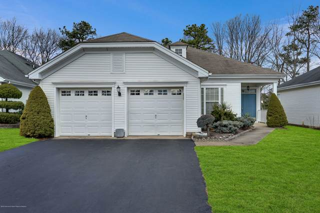 15 Greenfields Drive, Lakewood, NJ 08701 (MLS #22005825) :: The MEEHAN Group of RE/MAX New Beginnings Realty