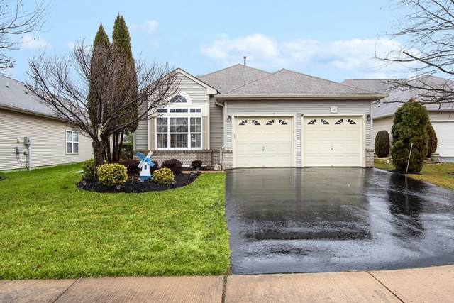10 Beaumont Court, Manchester, NJ 08759 (MLS #22006040) :: The MEEHAN Group of RE/MAX New Beginnings Realty