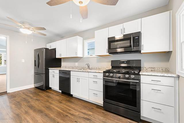 107 Wesley Avenue, Atlantic Highlands, NJ 07716 (MLS #22006114) :: The MEEHAN Group of RE/MAX New Beginnings Realty