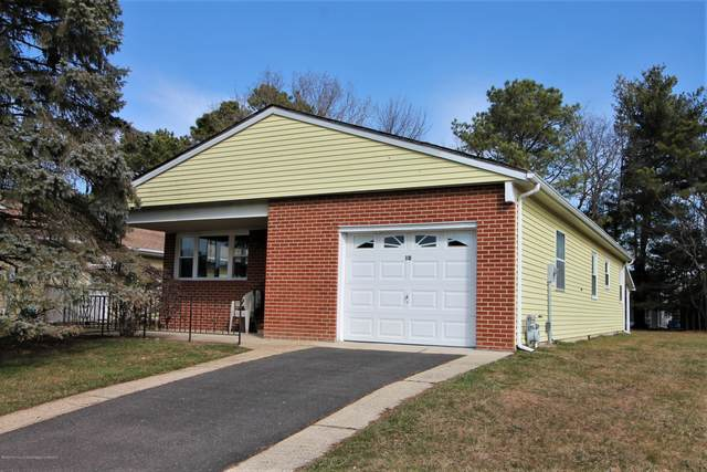 10 Pechanga Street, Toms River, NJ 08757 (MLS #22006405) :: William Hagan Group