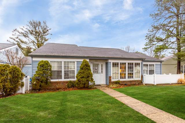 523C Huntington Drive, Manchester, NJ 08759 (MLS #22006406) :: The MEEHAN Group of RE/MAX New Beginnings Realty