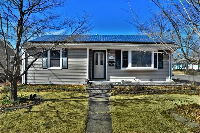 1109 Barton Avenue, Point Pleasant, NJ 08742 (MLS #22006484) :: The Dekanski Home Selling Team