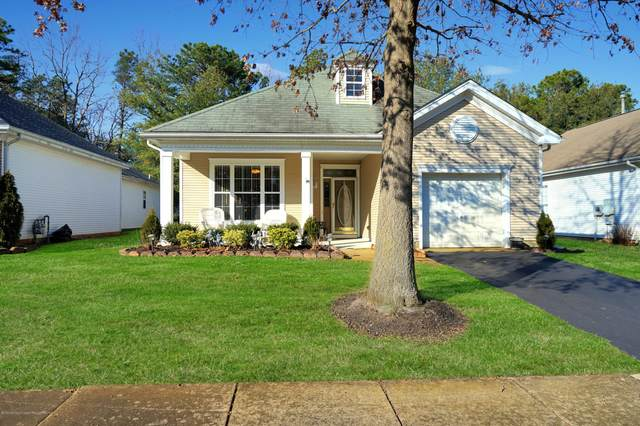 18 Amberwinds Court, Lakewood, NJ 08701 (MLS #22006609) :: The MEEHAN Group of RE/MAX New Beginnings Realty