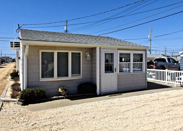 26 E Pompano Way, Lavallette, NJ 08735 (MLS #22006767) :: The MEEHAN Group of RE/MAX New Beginnings Realty