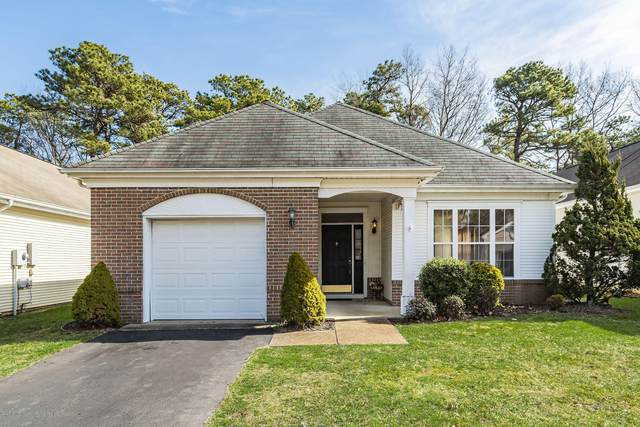 35 Amberwinds Court, Lakewood, NJ 08701 (MLS #22007884) :: The MEEHAN Group of RE/MAX New Beginnings Realty