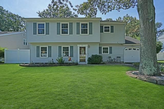 1944 Powder Horn Road, Toms River, NJ 08755 (MLS #22008558) :: The Dekanski Home Selling Team
