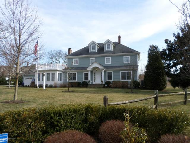 27 Black Point Horseshoe, Rumson, NJ 07760 (MLS #22009025) :: William Hagan Group