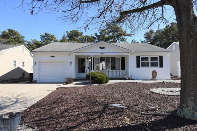 18 Beaverbrook Drive, Toms River, NJ 08757 (MLS #22009120) :: The Dekanski Home Selling Team