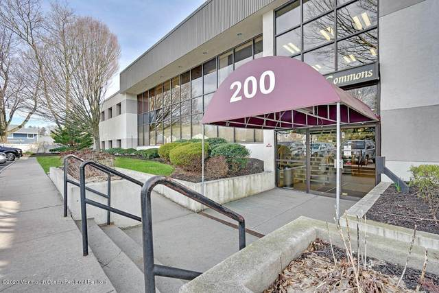 200 White Road #111, Little Silver, NJ 07739 (MLS #22009161) :: William Hagan Group