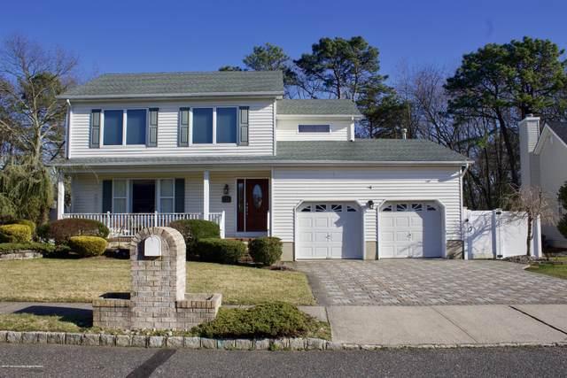 17 Paulette Lane, Howell, NJ 07731 (MLS #22009620) :: William Hagan Group
