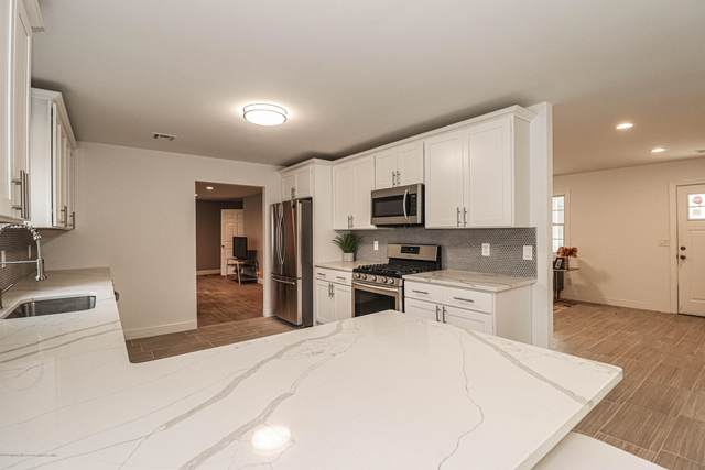 18 Parkside Way, Millstone, NJ 08535 (MLS #22010819) :: Vendrell Home Selling Team