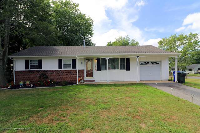821 Raleigh Drive, Toms River, NJ 08753 (MLS #22011491) :: Vendrell Home Selling Team