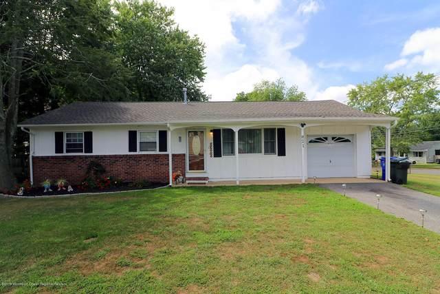 821 Raleigh Drive, Toms River, NJ 08753 (MLS #22011491) :: The Dekanski Home Selling Team