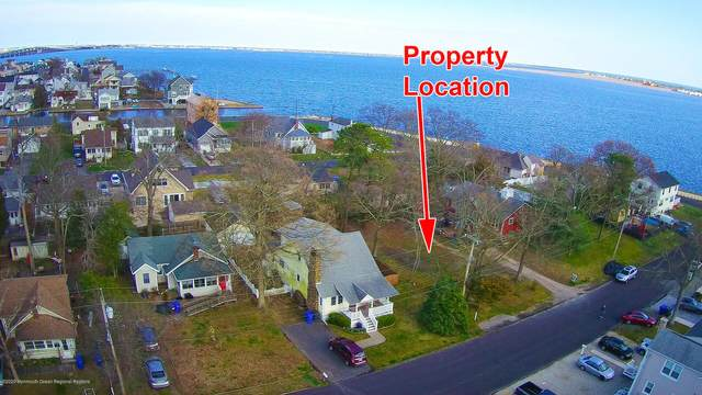 221 Grover Road, Toms River, NJ 08753 (MLS #22011792) :: The MEEHAN Group of RE/MAX New Beginnings Realty