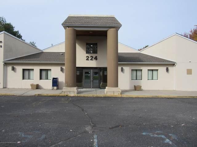 224 Taylors Mills Road #102, Manalapan, NJ 07726 (MLS #22012232) :: The MEEHAN Group of RE/MAX New Beginnings Realty