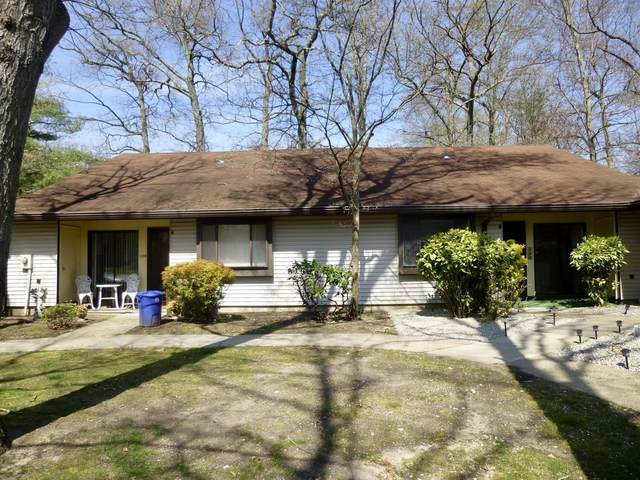 126B Amberly Drive, Manalapan, NJ 07726 (MLS #22013144) :: The Premier Group NJ @ Re/Max Central