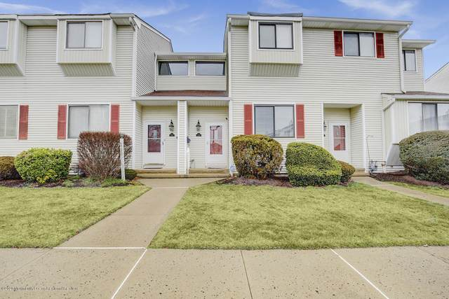 524 Clubhouse Drive, Middletown, NJ 07748 (MLS #22013532) :: The MEEHAN Group of RE/MAX New Beginnings Realty