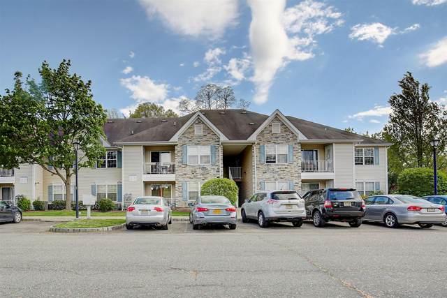 412 Wedgewood Circle, Belford, NJ 07718 (MLS #22014345) :: The Sikora Group