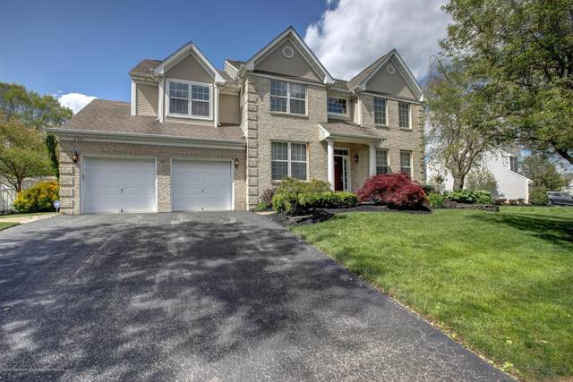 2301 Forest Circle, Toms River, NJ 08755 (MLS #22015030) :: The MEEHAN Group of RE/MAX New Beginnings Realty